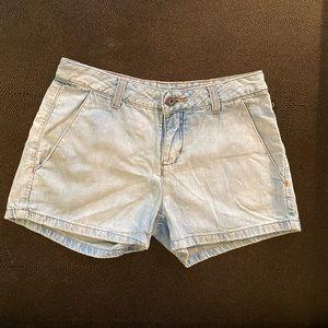 Zoomp low rise light wash jeans shorts 34BR = 24US